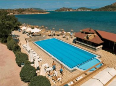 Местоположение на хотел Ayvalik Beach 3*: Хотелът се намира на 7 км. от Айвалък, на брега на морето, 160 км от летище Измир. Настаняване в хотел Ayvalik Beach 3*: В […]