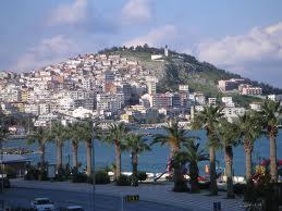 """Кушадасъ (Kuşadası) е град в Турция, разположен на брега на Егейско море. Буквално преведено името на града означава """"Птичи остров"""". Предполага се, че името му идва от малкия скалист остров […]"""