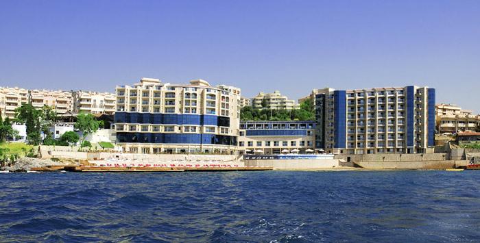 Местоположение на хотел Charisma 5*, Кушадасъ: Хотел Charisma се намира само на 15 минути пеша от Кушадасъ, на 70 км от летището в Измир, на 20 км от Ефес. Настаняване […]