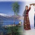 """Фолклор Турция има много древна традиция за народни танци, която варира според региона, като всеки танц е колоритен, ритмичен, елегантен и стилен. Ето и едни от най-популярните: """"Çayda Çıra"""" – […]"""