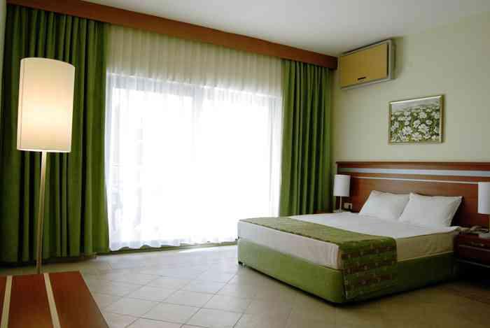 Местоположение на Хотел Palm Wings Beach Resort 5*, Дидим: Хотелът се намира на 80 км. от летището на град Бодрум, на 1км. от центъра на град Дидим, на брега на […]