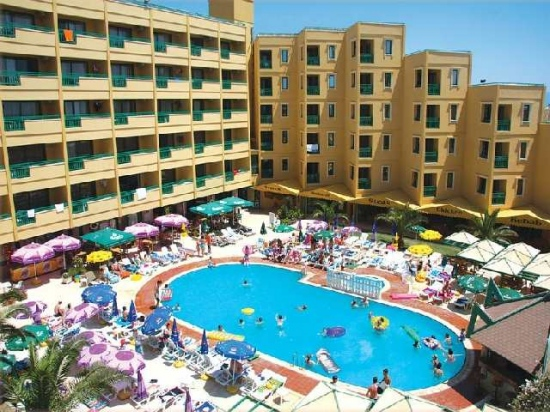 Местоположение: На 250 м от плажа, на 500 м от центъра на района Алтънкум – градски автобус има на всеки 5 мин от хотела по посока на центъра на селището. […]