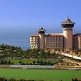 Местоположение на хотел Adakule, Кушадасъ: Хотелът се намира на брега на морето, в собствен залив, на 3 км от центъра на Кушадасъ. Обща площ 52 000 кв.м. Сайт на хотела: […]