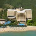 Местоположение на Хотел Ozkaymak Select Resort 5*, Анталия: Хотелът е разположен на 100 км от летището на гр.Анталия, на 23 км от г. Алания, на 200 м от селището Авсалар, […]
